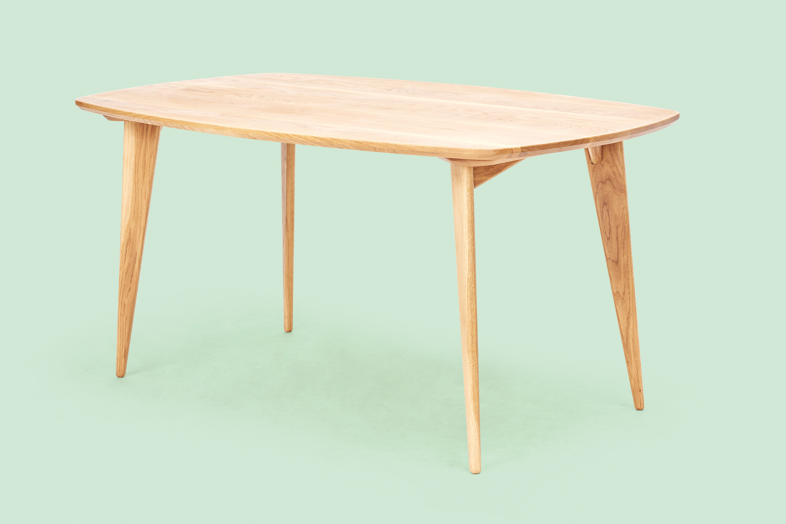 DiningRoomTable_WhiteOak_010