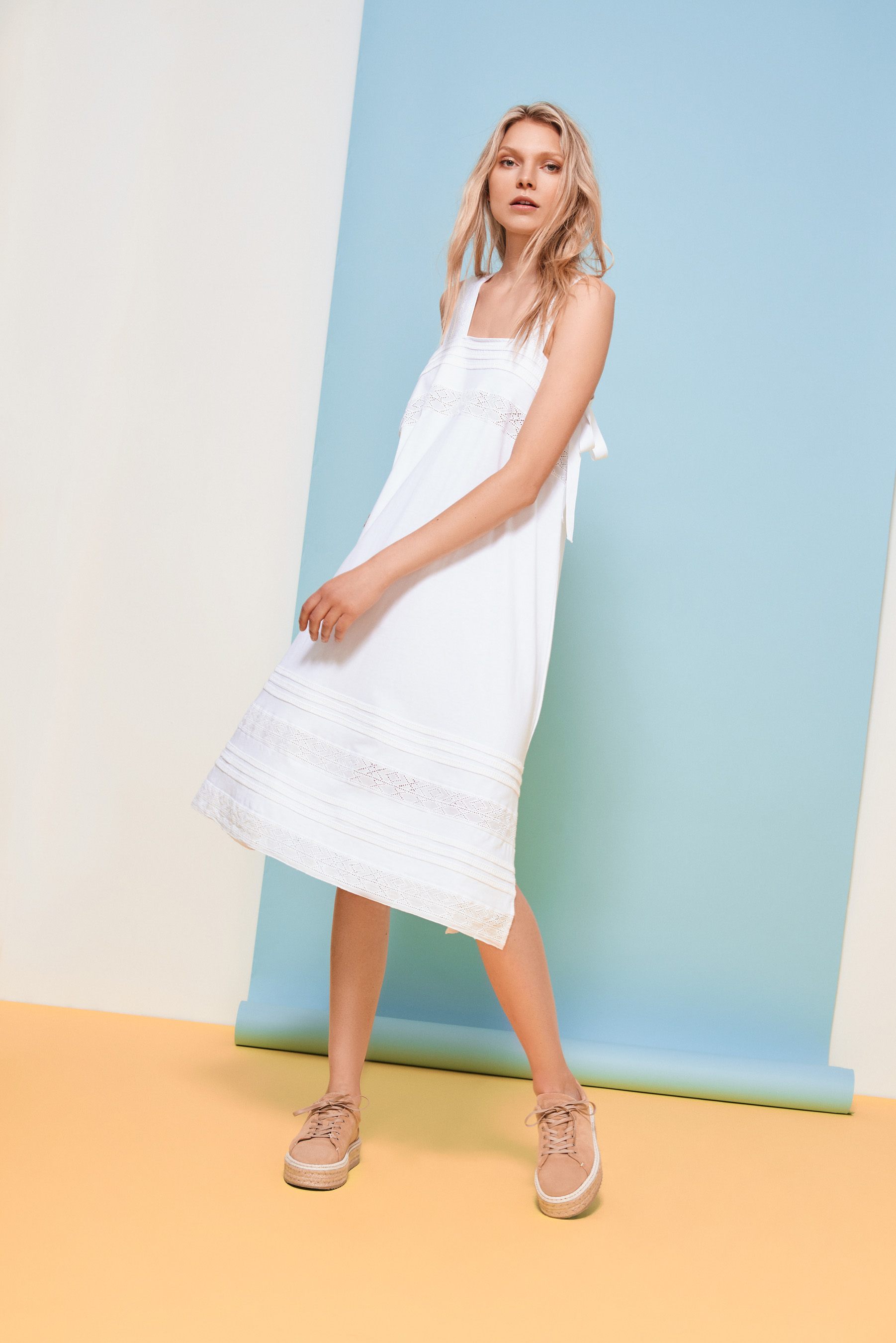 kinlyeditorial_ResortLookbookShoot_Sidetiedresswhite_029